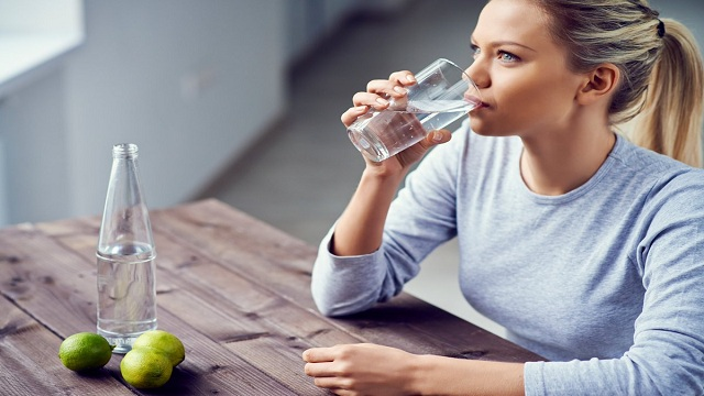 Drinking plenty of water | nutrition for athletes